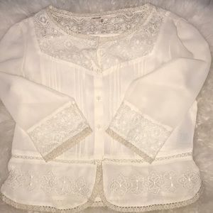 Ivory 3/4 sleeve embroidered button up blouse